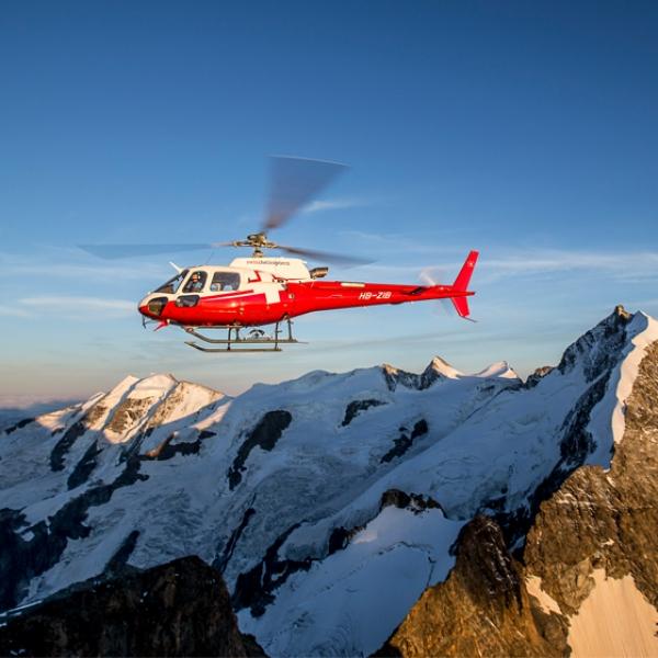 Vol vers la région de Ski de Corvatsch