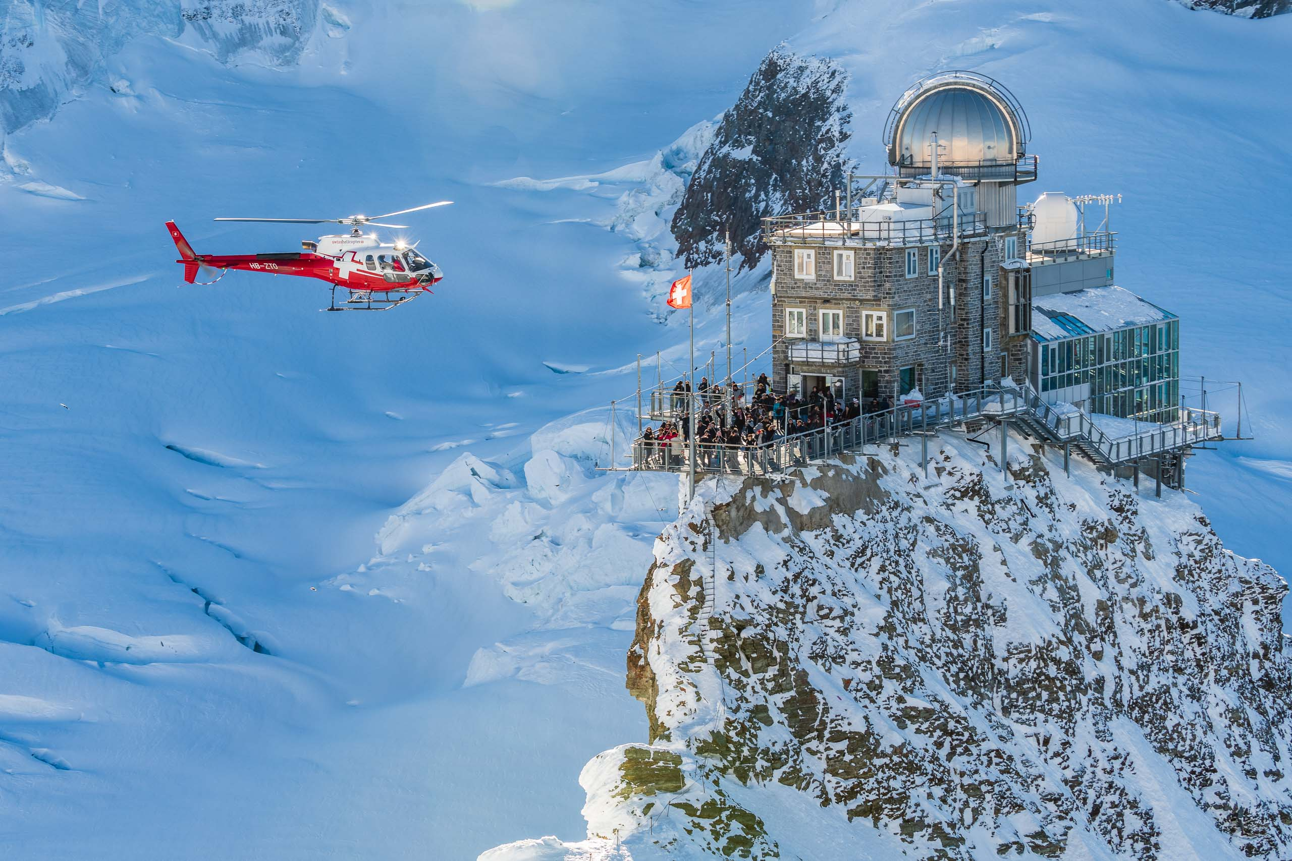 A85_0787_helikopterflug_jungfraujoch
