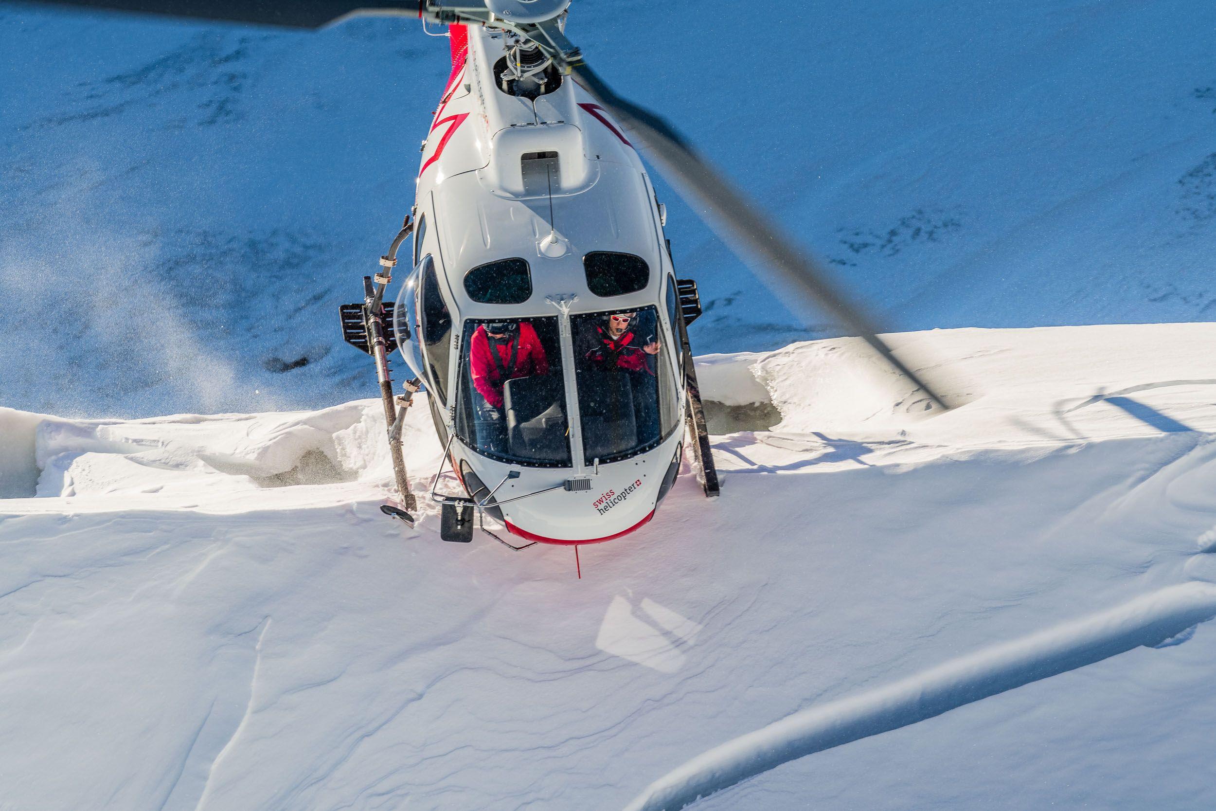 A85_1039-helikopterflug_gletscher_schweiz