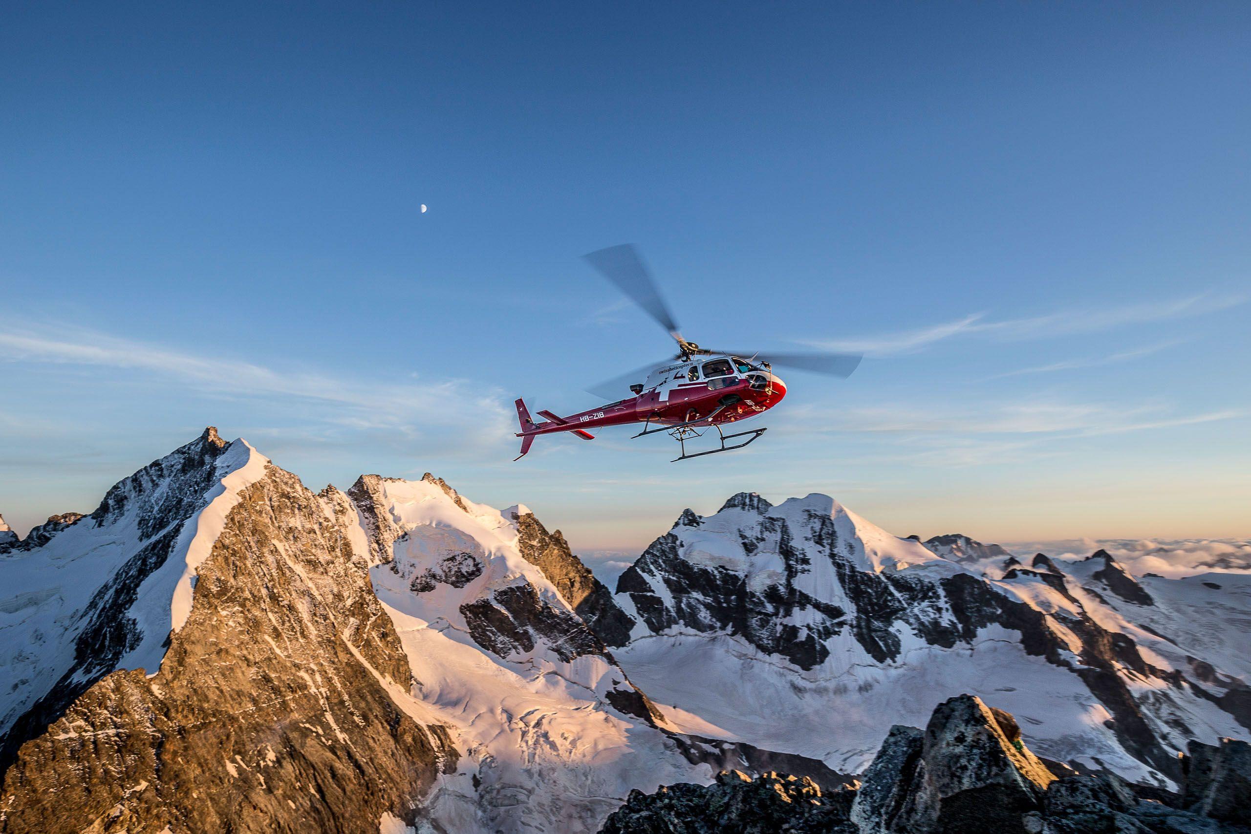 Helikopter-Rundflug-in-den-Alpen