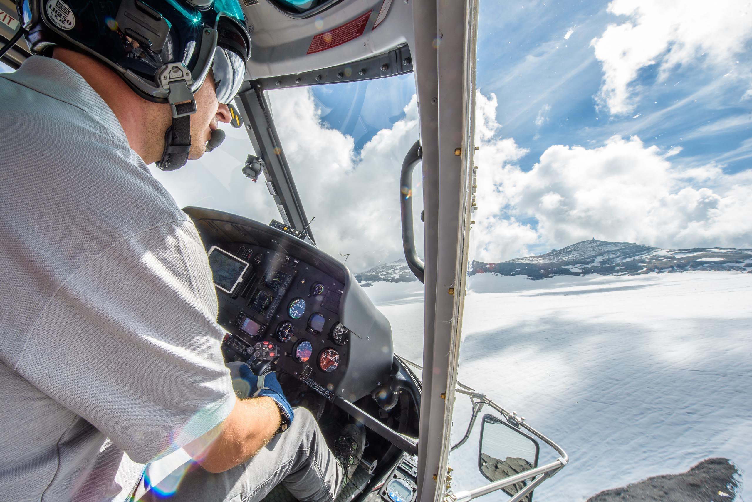 Helikopterflug-in-der-Schweiz