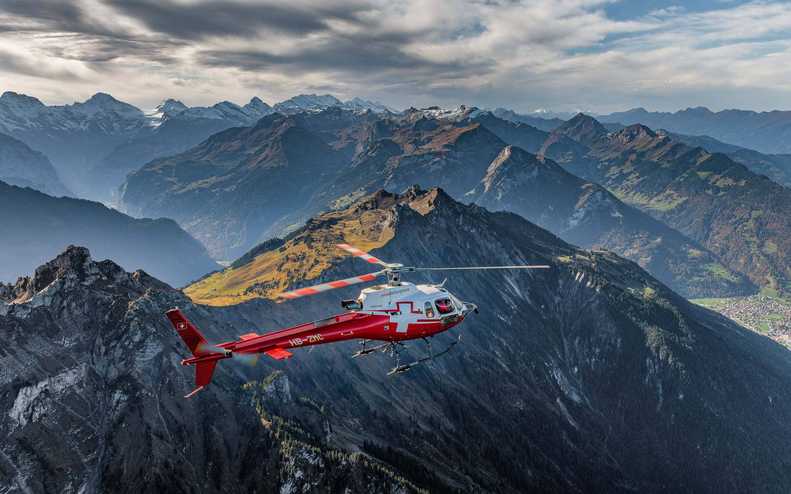 Swiss_Helicopter_Herbst_Rundflug_A85_7423